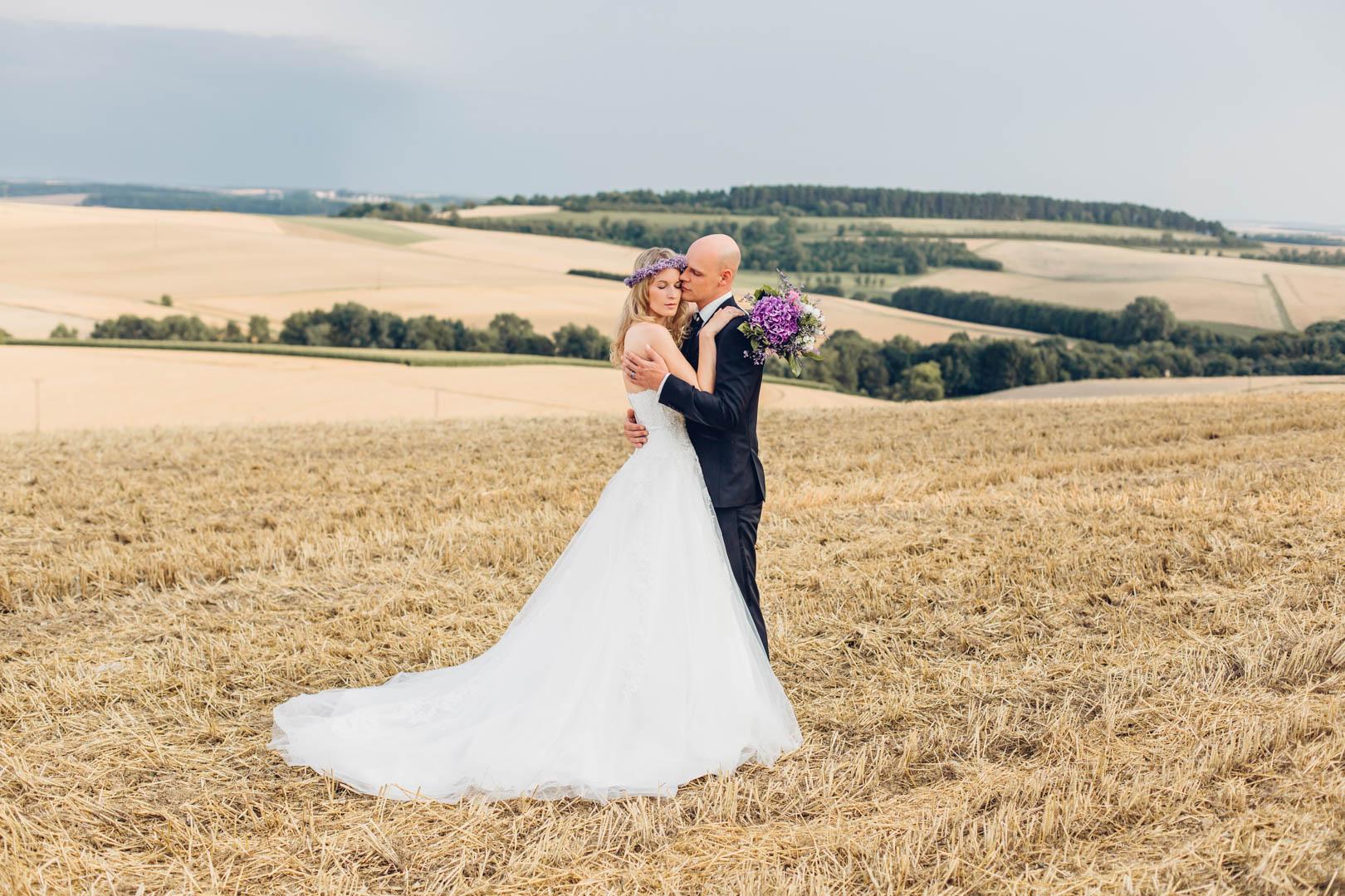 Strohfelder Hochzeitsbilder