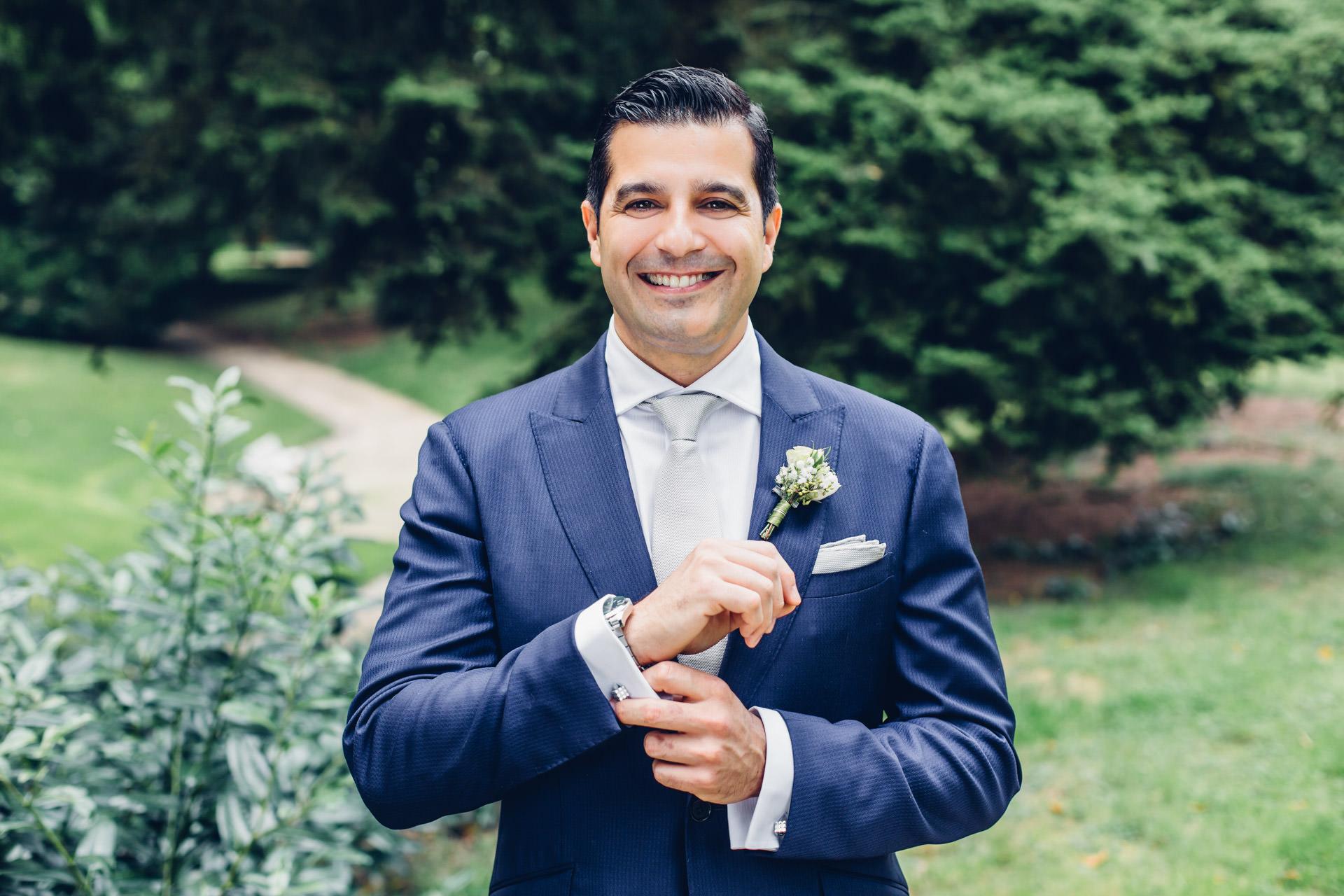 Blauer Anzug Bräutigam