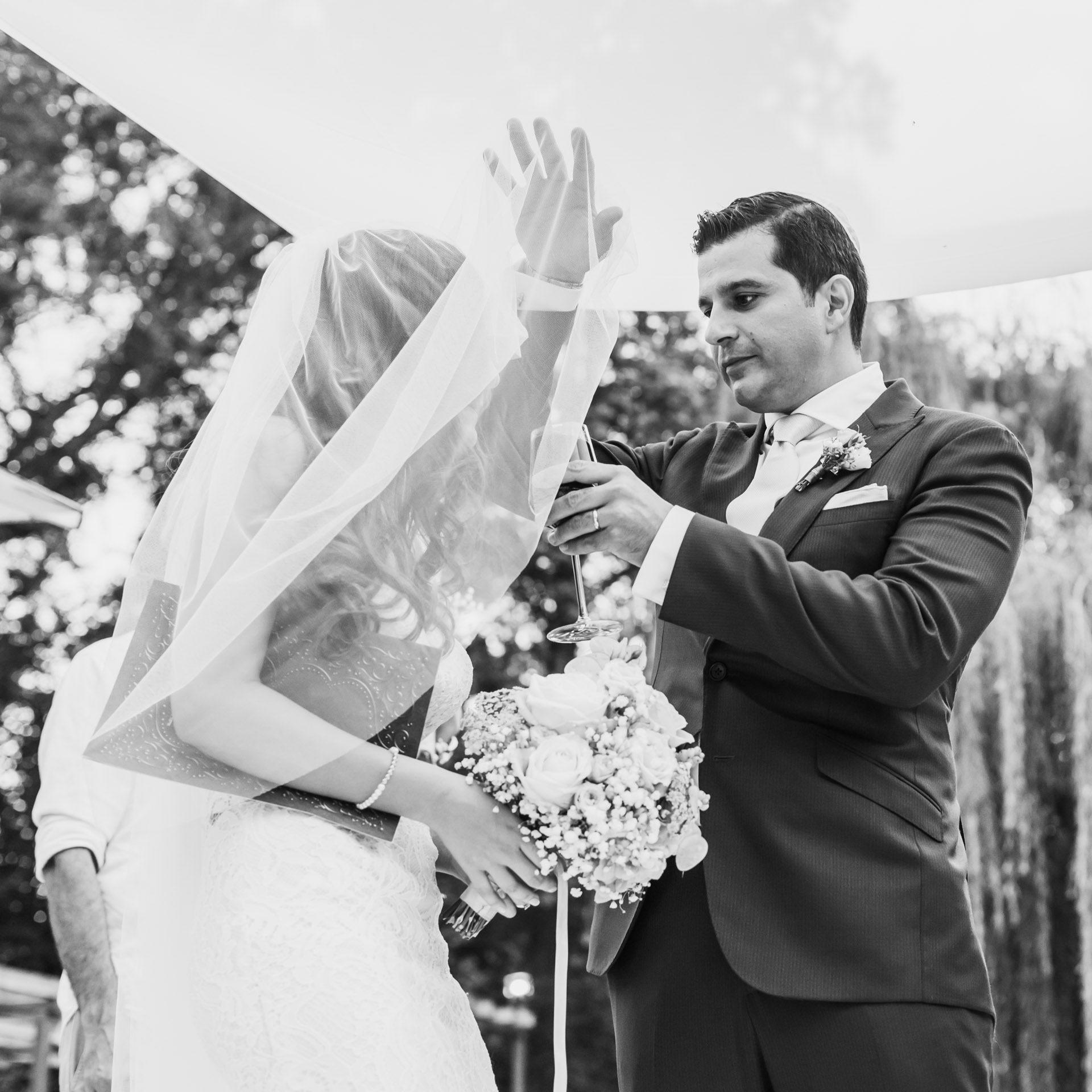 Ausgezeichnet Zivilhochzeitskleid Bilder - Hochzeit Kleid Stile ...