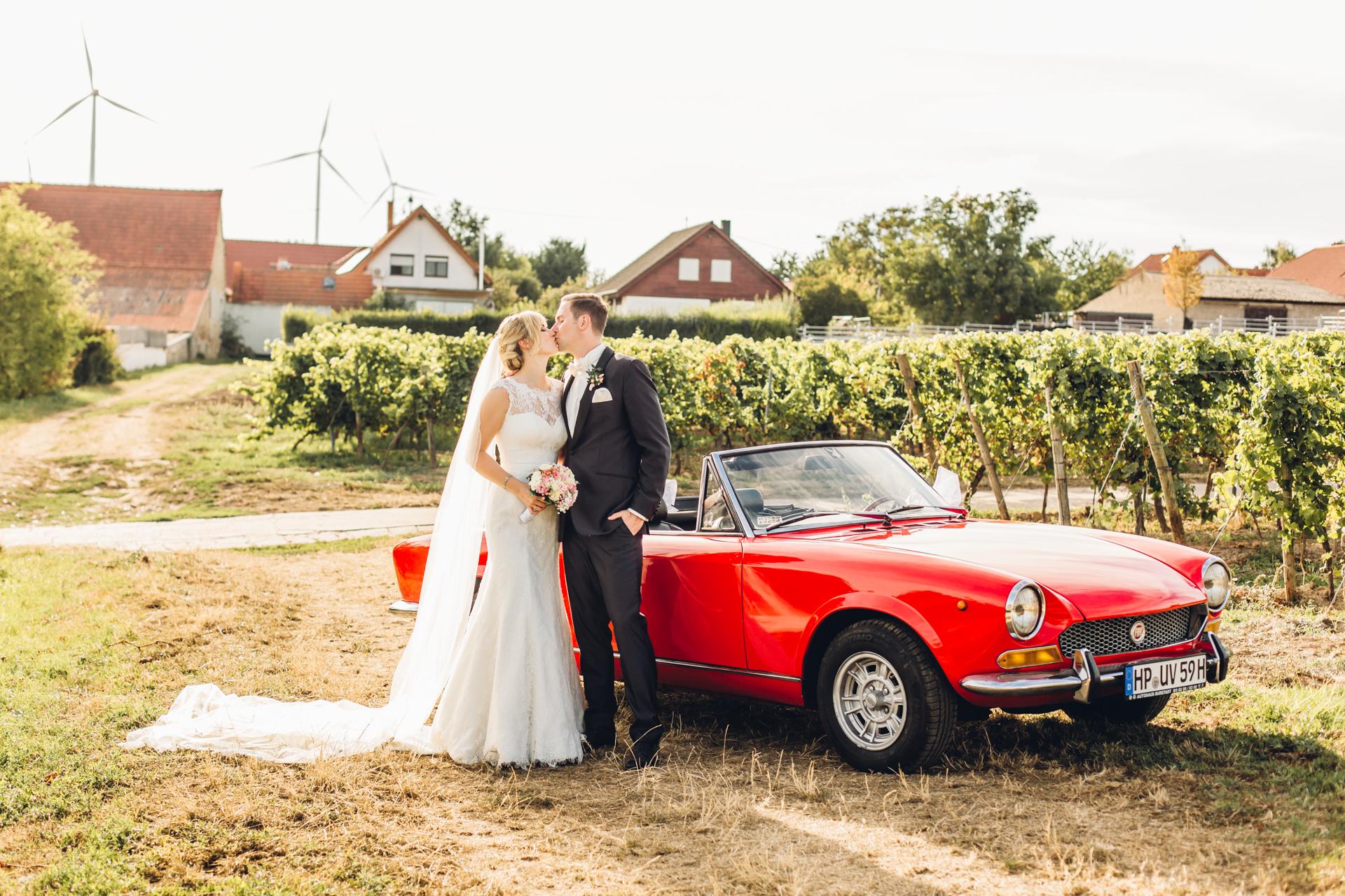 Heiraten in Weinbergen in der Pfalz im Weingewölbe San Martin in Bermersheim