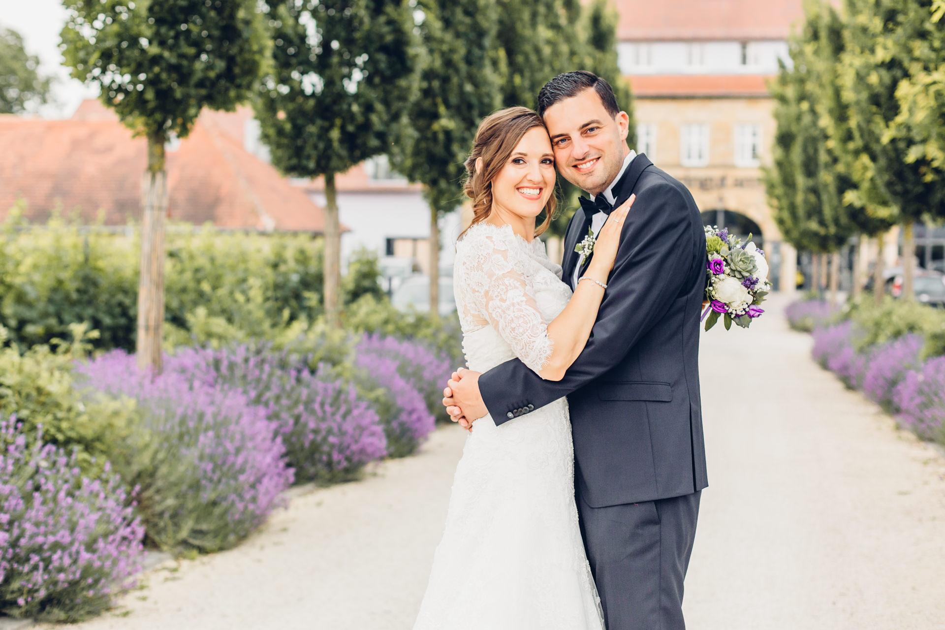 Heiraten im Weingut am Nil in Kallstadt inmitten von Lavendel