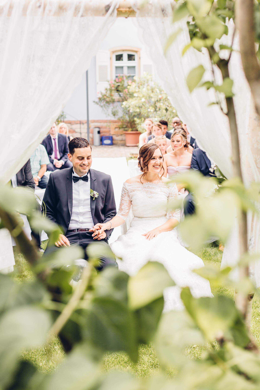 Freie Trauung im Garten der Hochzeitslocation Weingut am Nil