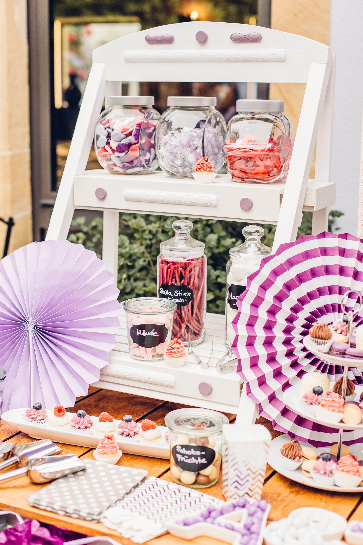 Candybar in lila Farben im Weingut am Nil