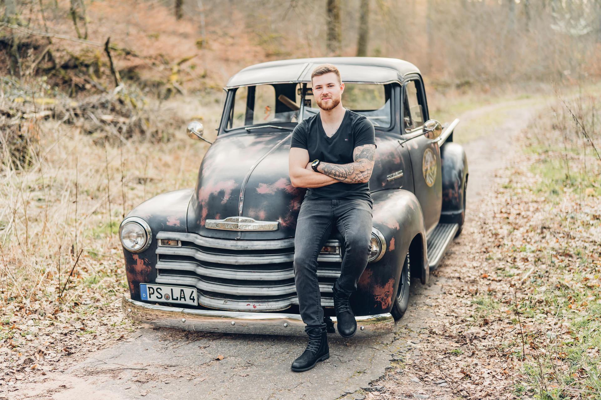 Fotoshooting mit einem Chevrolet Pickup Rat Rod