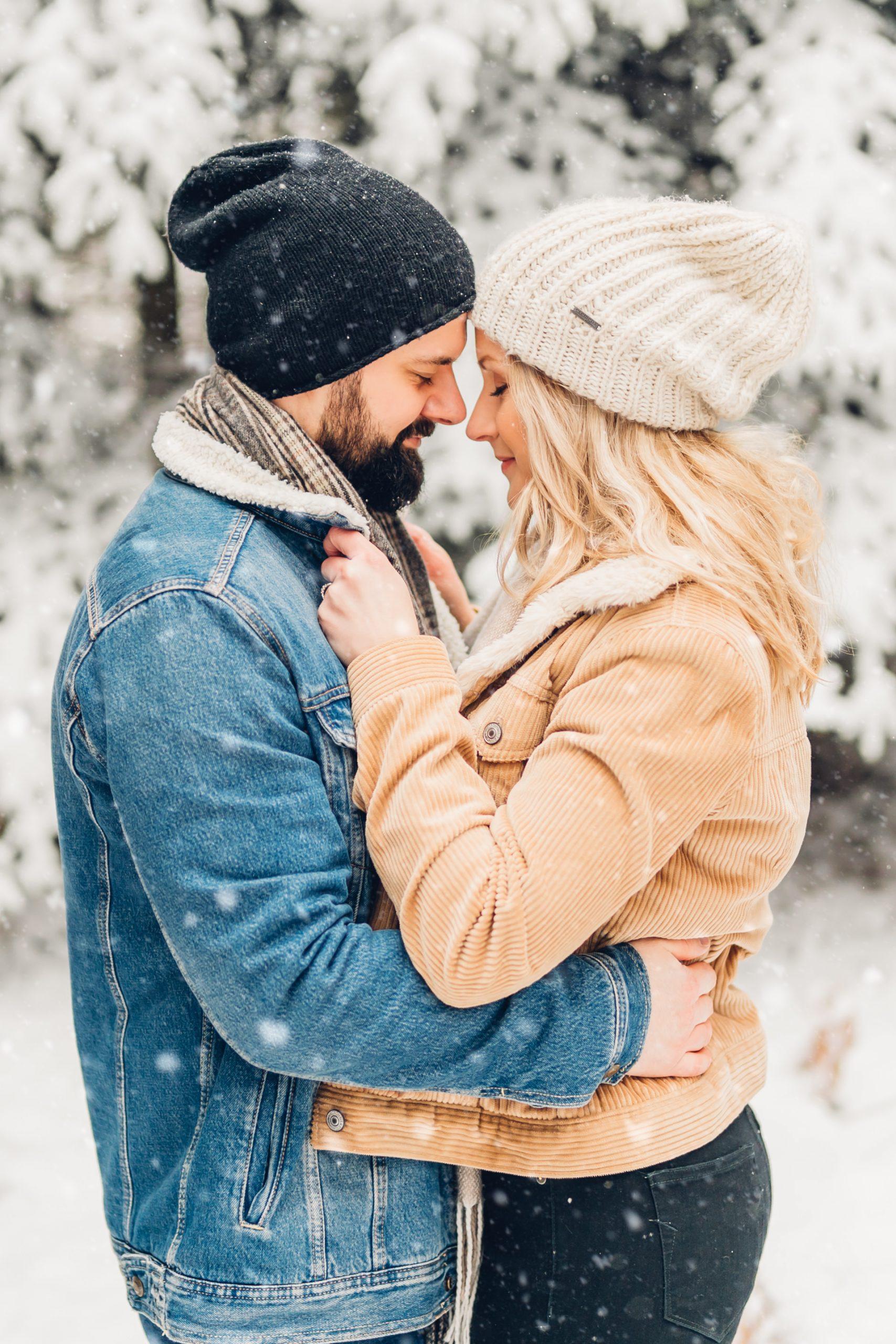 Lovebirds Coupleshooting im Schnee