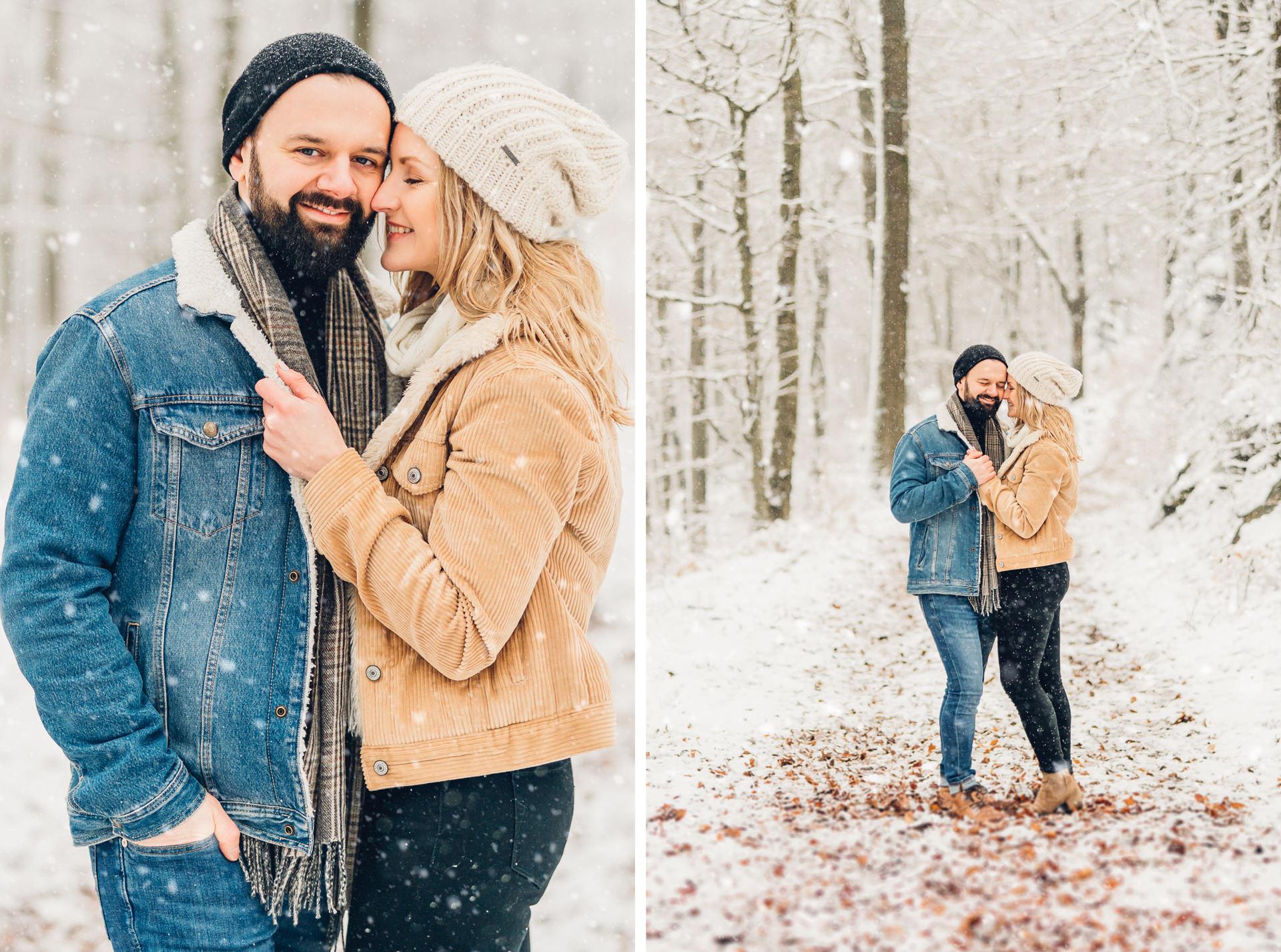 Wintershooting im Schnee Paarfotos im verschneiten Wald