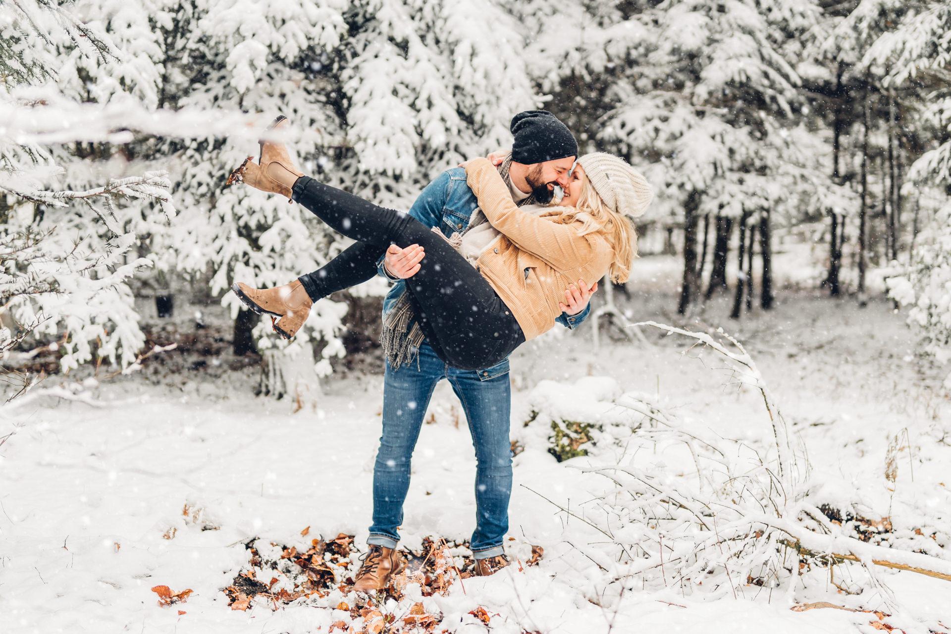 Paarshooting im Schnee Winterlove