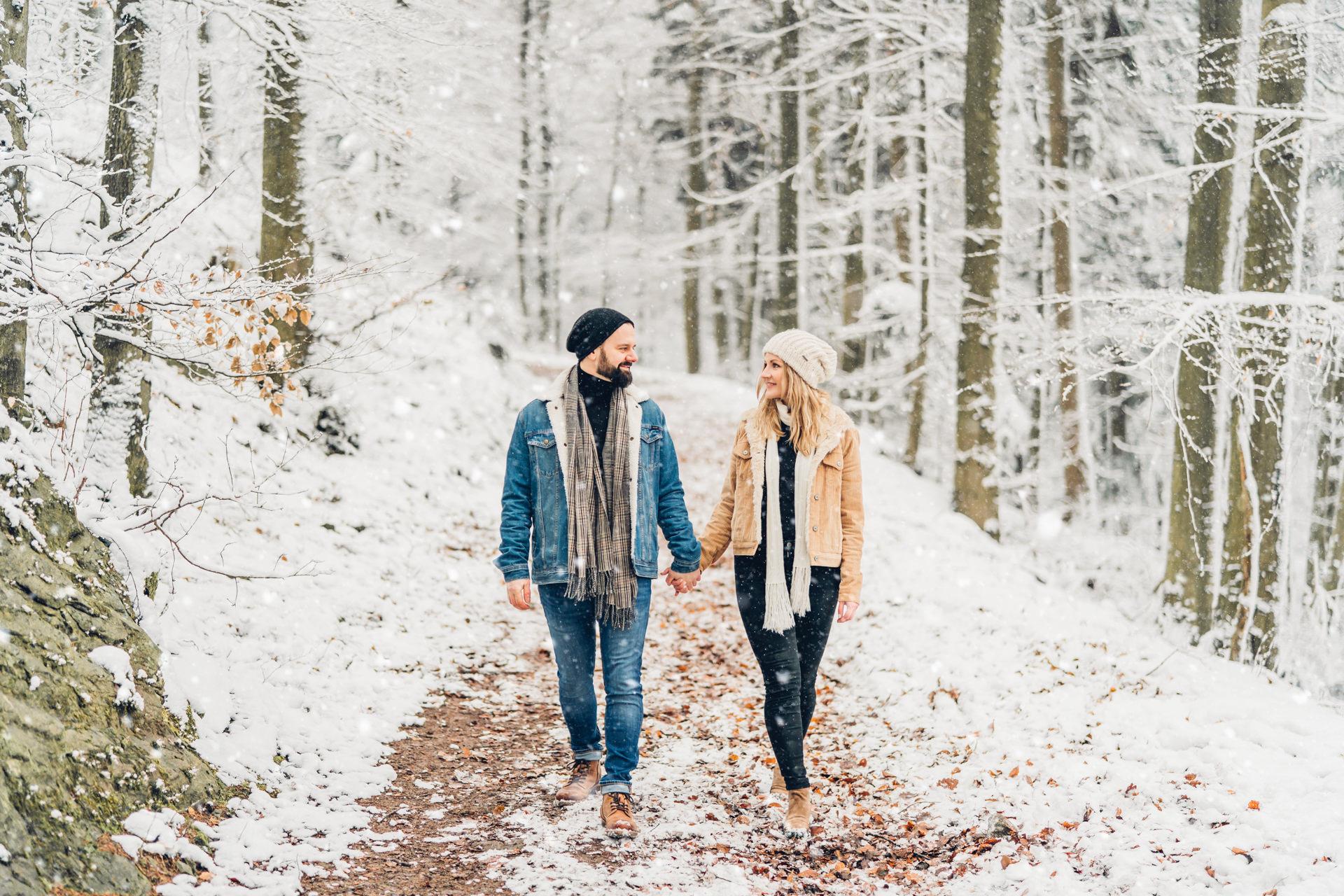 Natürliche Verlobungsfotos Rheinland-Pfalz