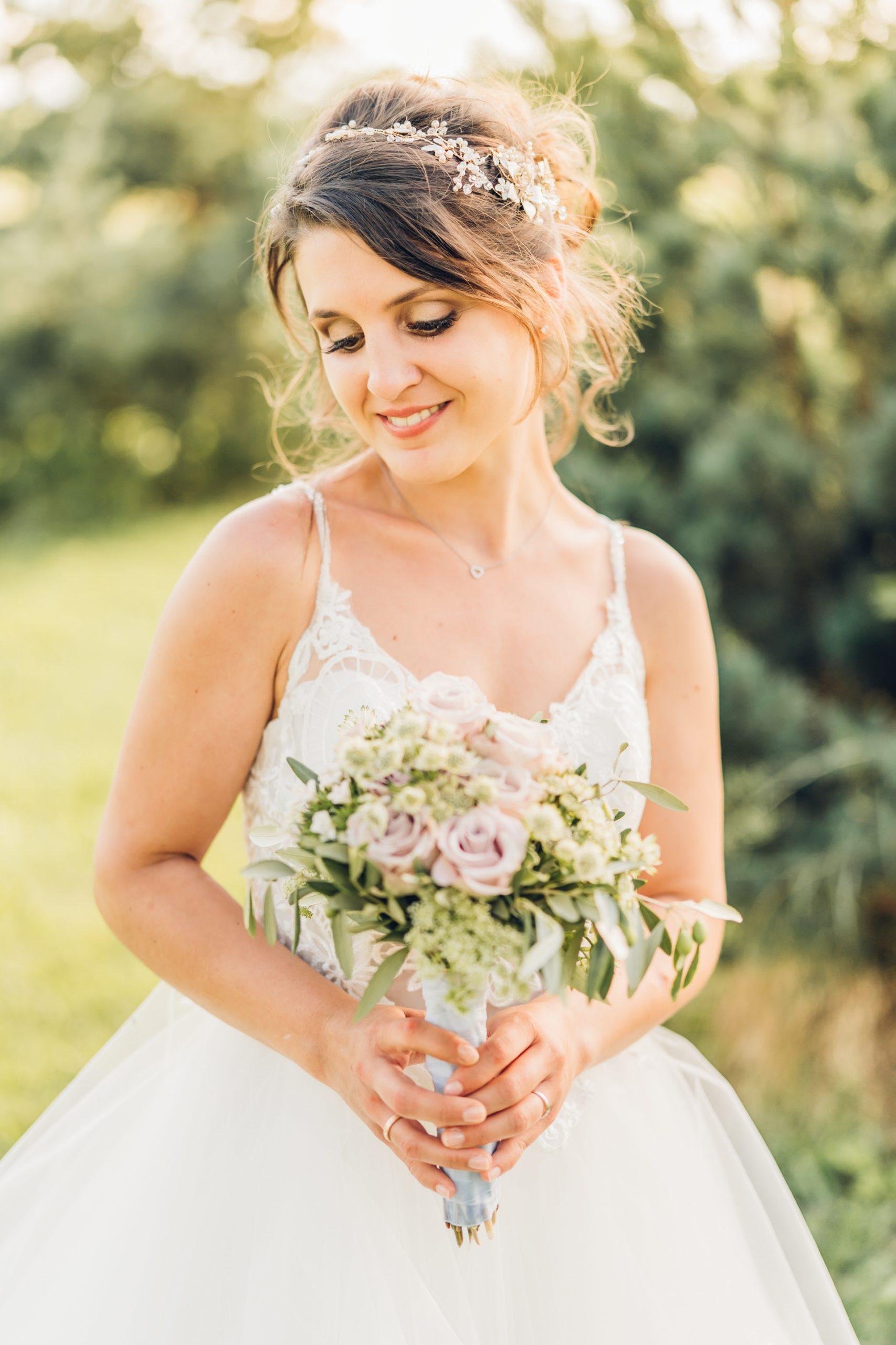 Braut bei ihrer Hochzeit im Weingut Höflich